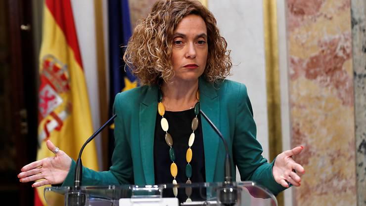 Meritxell Batet (im Bild), die Präsidentin des spanischen Unterhauses, teilte am Freitag mit, dass das spanische Parlament die Mandate von fünf inhaftierten Abgeordneten der katalanischen Unabhängigkeitsbewegung ausgesetzt hat.