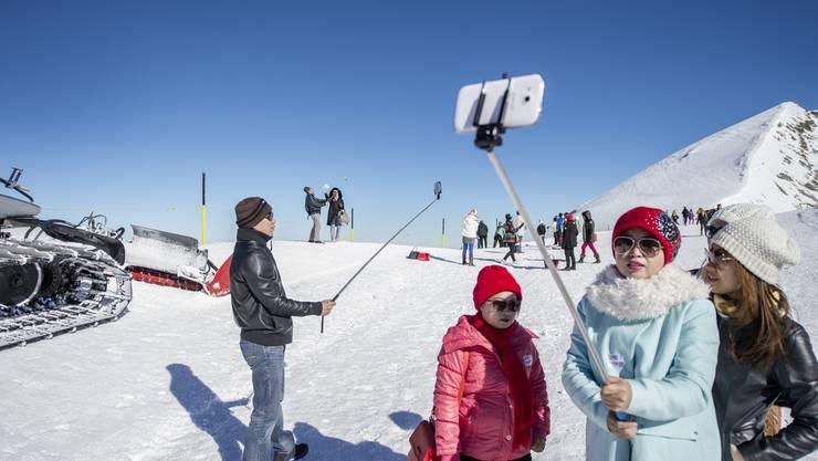 Internet-Stellenausschreibungen zeigen, dass in der Schweiz die Inserate im Tourismusbereich innerhalb eines Jahres um 27 Prozent gestiegen sind.
