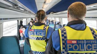 Viel Arbeit für die Bahnpolizisten.