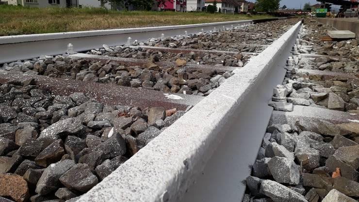 In Zuchwil testeten die SBB, ob weisse Gleise ein Mittel gegen die Hitzeverformungen sein könnten.