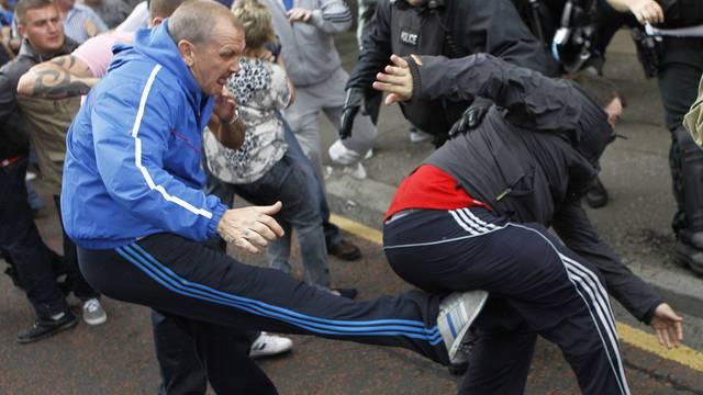 Die Polizei geriet bei der Parade zwischen die Fronten