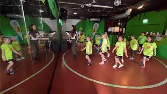 Joujoux Dance Camp im Lindenhaus Grenchen mit 30 Kids unter der Leitung der Berner Tänzerin Lucia Egger.