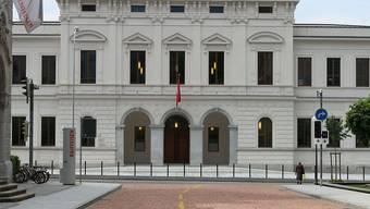Ein Ex-Banker muss sich seit Dienstag vor dem Bundesstrafgericht in Bellinzona verantworten, weil er von Zürich aus die Bestechung von polnischen Politikern unterstützt haben soll