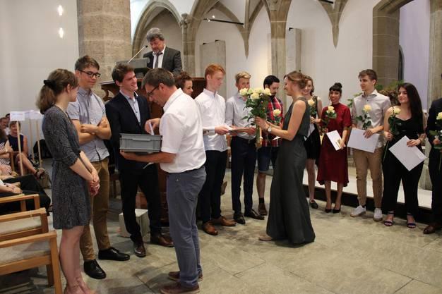 Es folgen weitere Bilder der Diplomfeier.