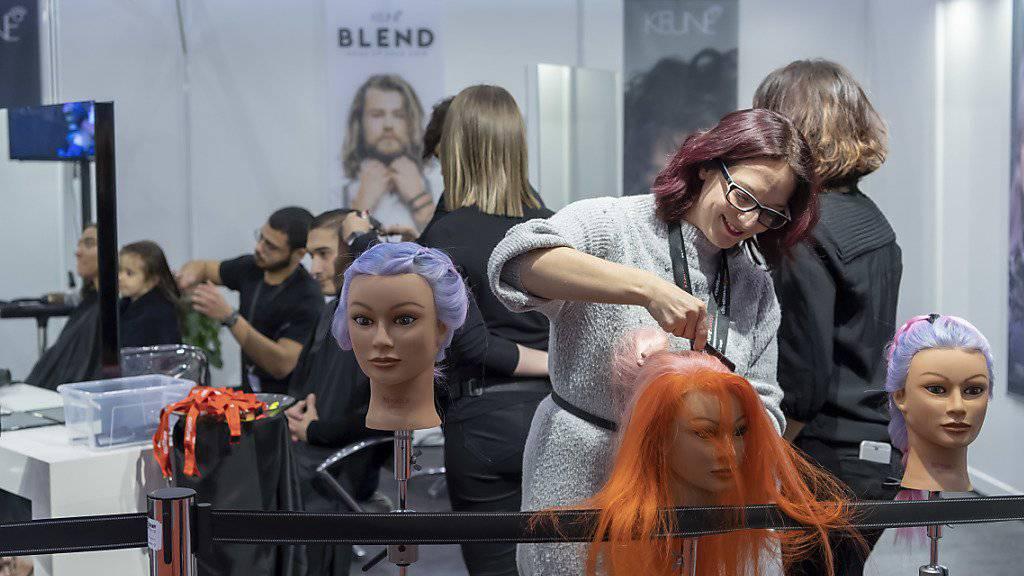 13 Haarfärbemittel zog das Kantonslabor Basel-Stadt aus dem Verkehr. (Symbolbild)