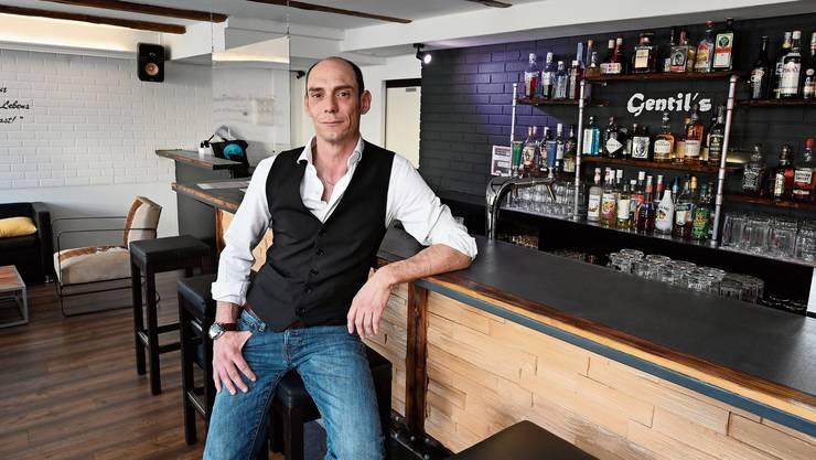 Sascha Rettenmund öffnete am Montag um 17 Uhr seine Bar «Gentil's». (Archiv)