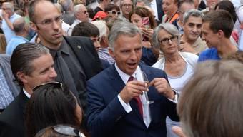 Bundespräsident Burkhalter spricht mit der Tessiner Bevölkerung