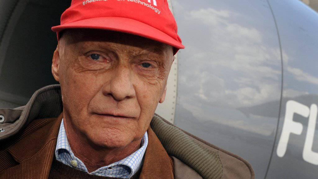 Der einstige Rennfahrer, Niki-Gründer und Pilot Niki Lauda wird die insolvente Air-Berlin-Tochter Niki nicht zurückkaufen. Als Favorit wird nun der Billigflieger Vueling gehandelt. (Archiv)