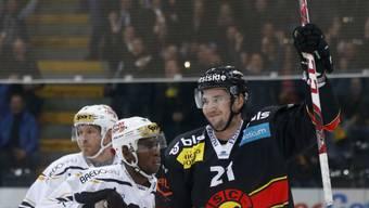 Simon Moser traf für Bern gleich zweimal im ersten Drittel
