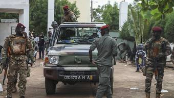 Das Milit‰r in Mali hatte Mitte August Pr‰sident Ibrahim Boubacar KeÔta zum R ̧cktritt gezwungen. Foto: Baba Ahmed/AP/dpa