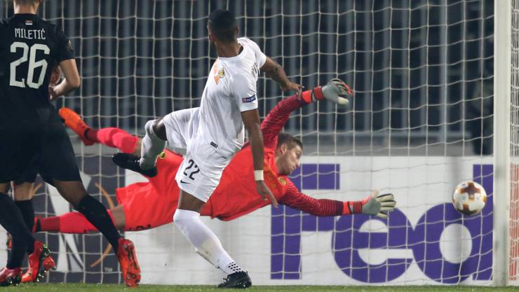 David von Ballmoos streckt sich gegen Partizan vergebens