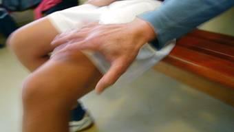 Ein Physiotherapeut hat letztes Jahr bei einer Behandlung eine Patientin sexuell belästigt. (Symbolbild)