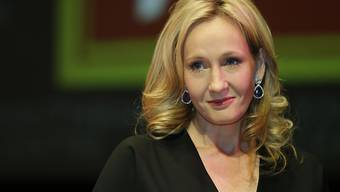 Ein Stuhl, auf dem Autorin J.K. Rowling die ersten zwei Harry-Potter-Romane schrieb, ist in den USA für 394'000 Dollar versteigert worden. (Archivbild)