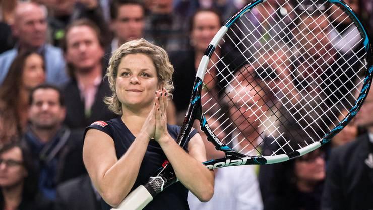 Es gibt sie, die Beispiele aus dem Tennis, bei denen Mütter ihre Rückkehr erfolgreich gestaltet haben. Das beste: Kim Clijsters. Die Belgierin bringt 2008 Tochter Jade zur Welt. Sie kehrt im Jahr darauf zurück und gewinnt bereits ihr drittes Turnier, die US Open. Sie steht nur dank einer Wildcard im Hauptfeld. Die ehemalige Nummer eins der Welt wiederholt im Folgejahr den Coup und wird noch einmal die Nummer 3 der Welt. 2012 tritt die heute 33-Jährige zurück.