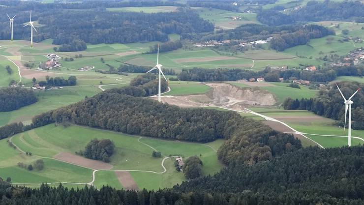 Den Windpark Kirchleerau/Kulmerau gibt es nur als Fotomontage und das wird so bleiben, die CKW hat das Projekt mit sofortiger Wirkung gestoppt.