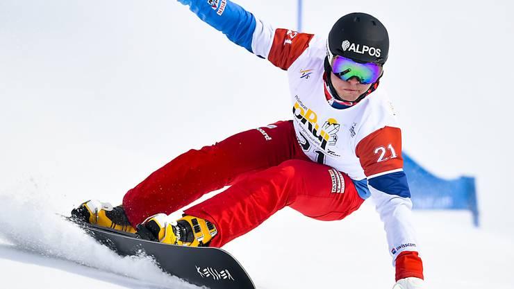 Dario Caviezel sorgt in Scuol für das Schweizer Topergebnis der Alpin-Snowboarder
