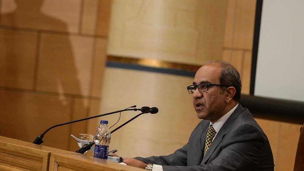 """Für Ermittlungschef Ayman al-Mokadem sind """"alle Szenarien auf dem Tisch"""", wie er am Samstag an einer Medienkonferenz in Kairo sagte."""