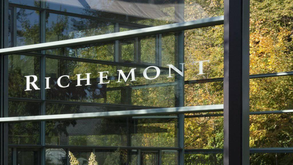 Der Luxusgüterkonzern Richemont hat im ersten Halbjahr viel Schmuck verkauft: Logo am Hauptsitz in Genf.