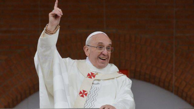 Papst Franziskus während einer Messe (Archiv)