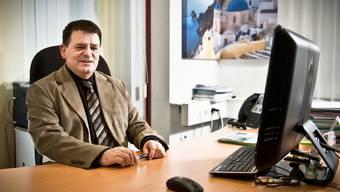 Werner Kaufmann im seinem Büro.