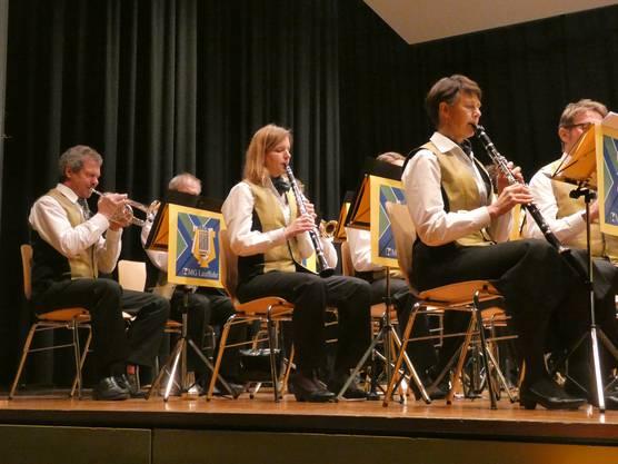 Das Jahreskonzert der Musikgesellschaft Lauffohr unter der Leitung von Tobias Zwicky bot dem Publikum viel Abwechslung.