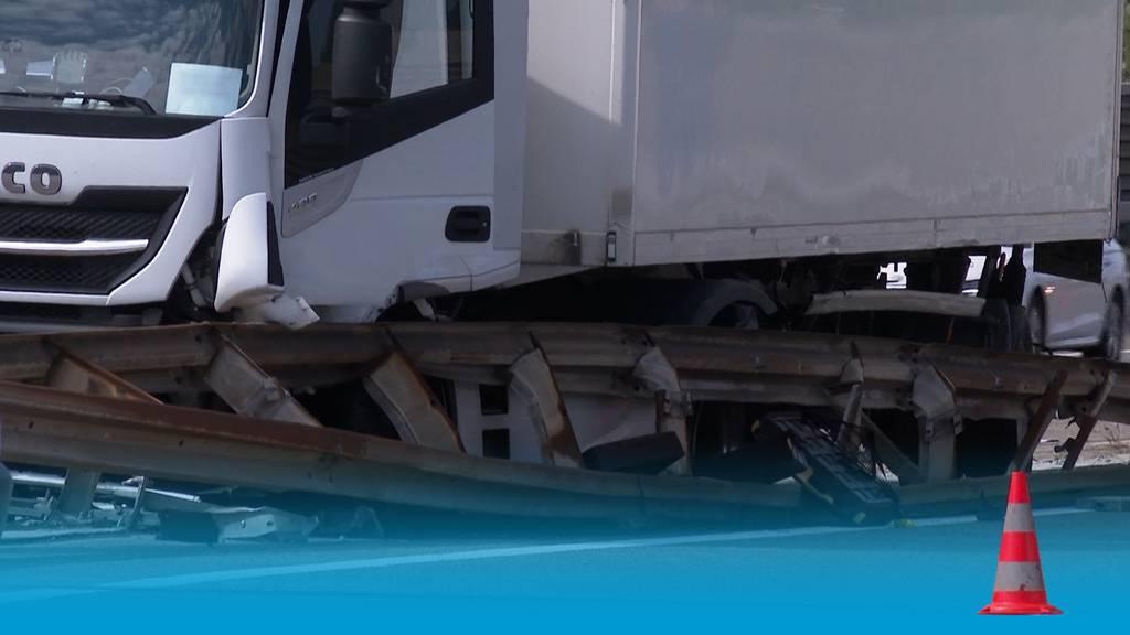 Lastwagen-Kollision legt A3 lahm