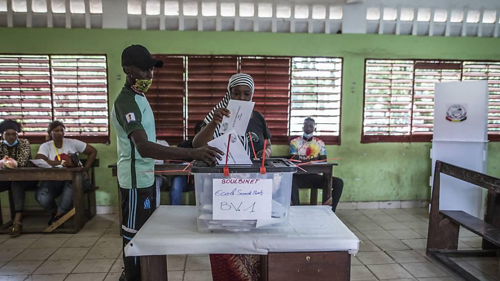 Präsidentenwahl: Opposition spricht von Wahlfälschung