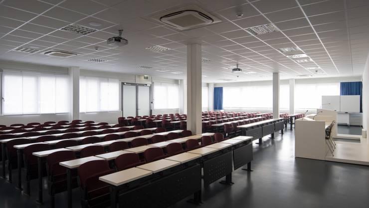Alle nicht-obligatorischen Schulen im Tessin werden geschlossen. Die Fachhochschule Südschweiz machte bereits am Dienstag dicht. (Archivbild)