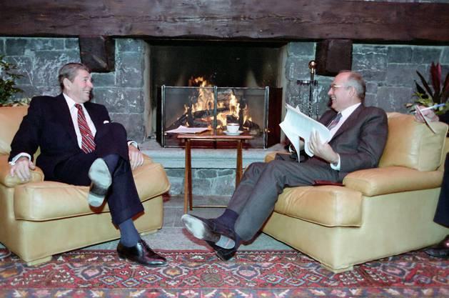 Ronald Reagan mit Michail Gorbatschow in Genf im November 1985
