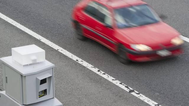 Auf Autobahnen soll es erst bei über 140 km/h blitzen (Symbolbild)