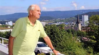 Walter Trippel hat der Gemeinde Spreitenbach mit seiner Ortsgeschichte ein schönes Geschenk gemacht. cfr