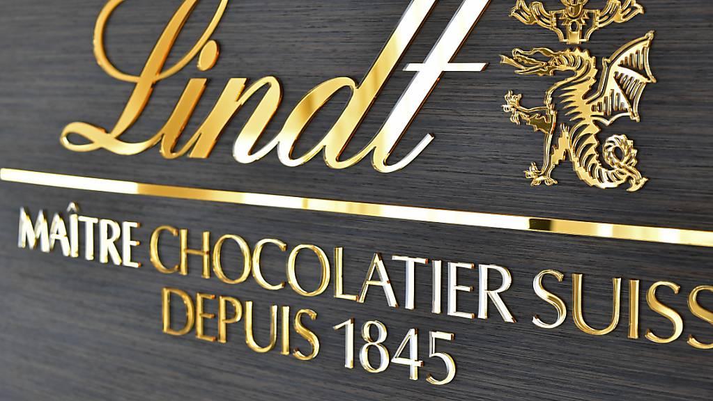 Beim Schokoladenkonzern Lindt&Sprüngli hat die Coronakrise 2020 den Gewinn einbrechen lassen. Dieses Jahr soll es bei Umsatz und Gewinn wieder kräftig aufwärts gehen. (Archivbild)