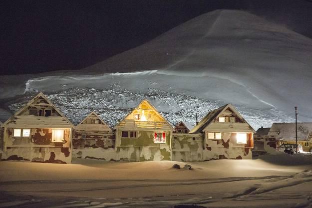 Das Leben auf Spitzbergen ist oft dunkel, oft kalt – und oft einsam.
