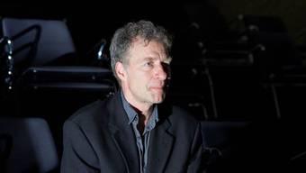 """Michael Wolf spielt im Theater an der Winkelwiese in Zürich den Monolog """"Gehen"""" von Thomas Bernhard."""