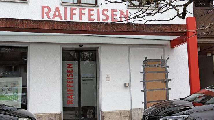 Raiffeisen hat die Beratungsbank in Zeihen geschlossen und den Bancomaten Mitte Dezember zurückbauen lassen.