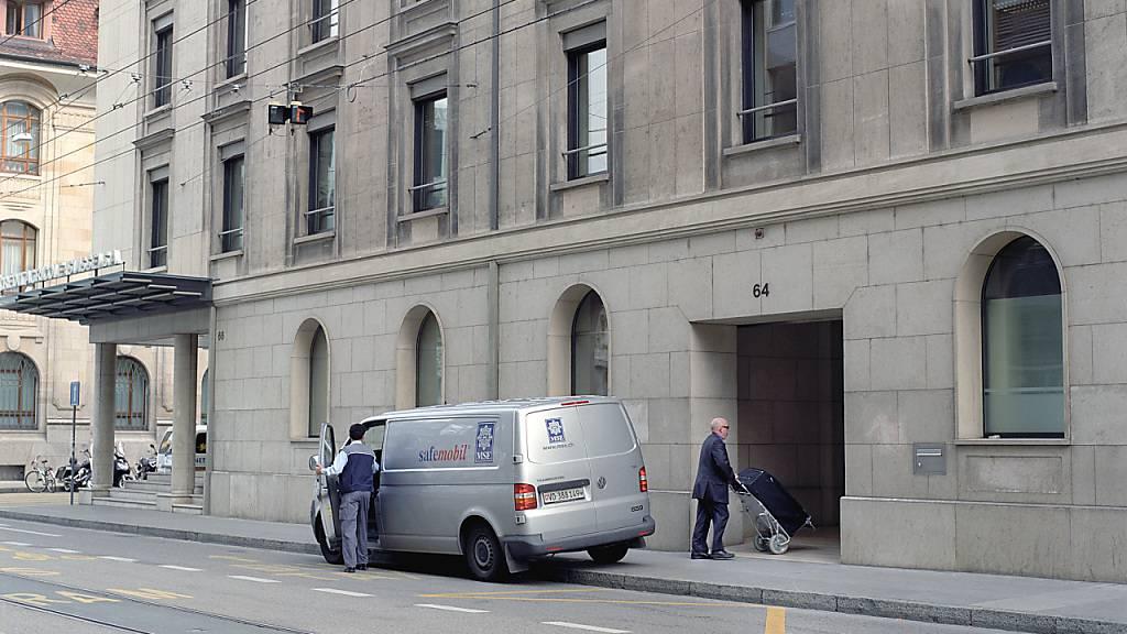 Die Schweizerische Post verkauft ihre Werte-Transportfirma SecurePost. Alle Mitarbeitenden werden vom Käufer, der Loomis Schweiz AG, übernommen. (Symbolbild)