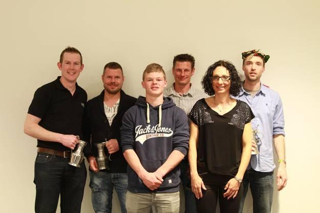 Sie wurden an der Hauptversammlung für ihre sportlichen Erfolge im letzten Jahr geehrt: Jonas Aeschlimann, Michael Wanner, Fabrice Flück, Ueli und Brigitte Kohl, Alexander Schürch (v.l.n.r.).