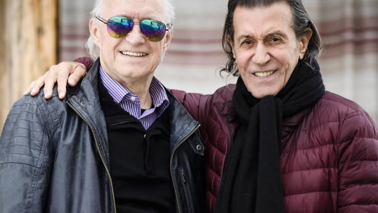 """Michael Kunze (links) und Albert Hammond an der Medienorientierung zum Musical """"Matterhorn"""" im Juni 2016, auf dem Gornergrat in Zermatt."""