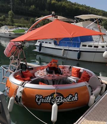 Grillspass auf dem Grill-Boot, für alle ein unvergessliches Erlebnis.