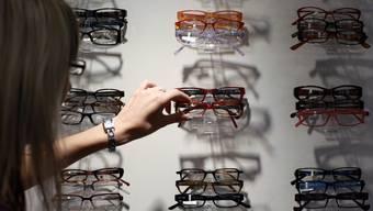 Die 65-Jährige Nicole Diem hat selber keine Optiker-Ausbildung gemacht. Ein angestellter Optiker habe ihr alles Wichtige beigebracht. (Symbolbild)