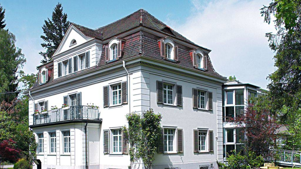 Der Privatklinik Belair in Schaffhausen droht die Schliessung. Die zur Hirslanden-Gruppe gehörende Klinik zählt 28 Betten und rund 120 Mitarbeitende.