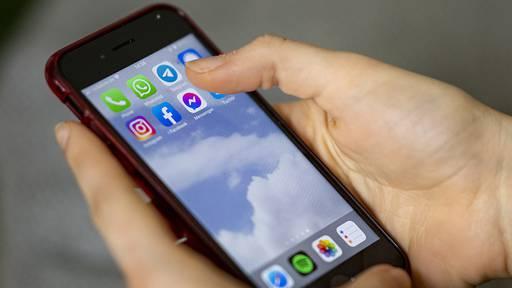 Smartphones werden deutlich länger genutzt