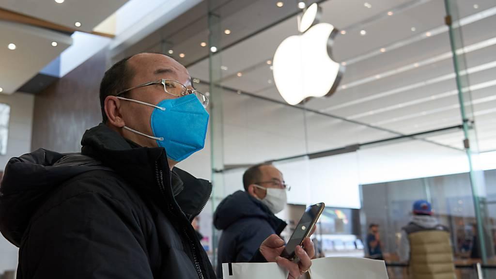 Zahlreiche Geschäfte des Apple-Konzerns haben weltweit ihre Pforten wieder geöffnet, nachdem sie wegen der Coronavirus-Ausbreitung geschlossen worden waren. (Archivbild)