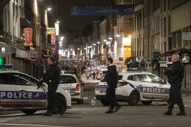 Bei dem Polizeieinsatz am Mittwoch wurden offenbar mehrere Polizisten verletzt