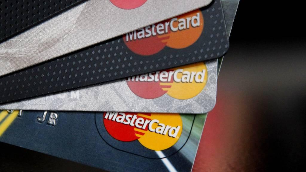 Corona-Krise brockt Mastercard starken Gewinnrückgang ein