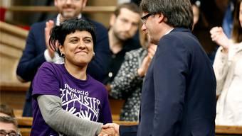 Anna Gabriel: Linke Hand von Carles Puigdemont (rechts) und meistgehasste Separatistin Kataloniens.Albert Gea/Reuters