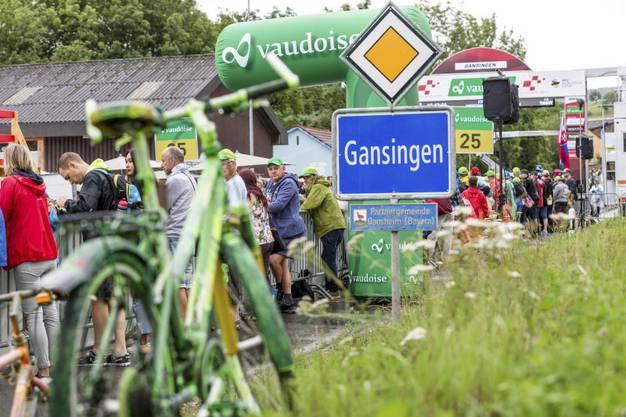 Reportage aus Gansingen. Pünktlich zum 100-Jahr-Jubiläum des VMC Gansingen hält hier am 11. Juni 2018 die zweite Etappe der Tour de Suisse.