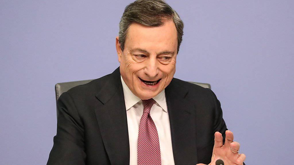 Die EZB unter Notenbankpräsident Mario Draghi hält den Leitzins im Euroraum auf einem Rekordtief von null Prozent. (Archivbild)