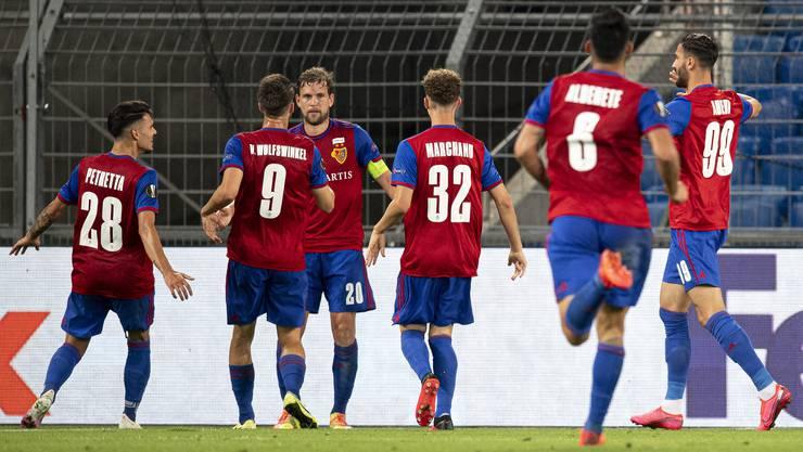 Der FCB feiert gegen die Eintracht einen wichtigen Erfolg.