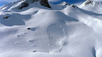 Einsames Grab: Ein deutscher Skitourengänger ist auf einer Solotour im Unterengadin von einer Lawine (Bild) verschüttet und erst nach Tagen gefunden worden.